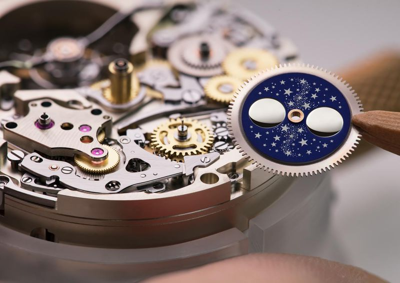 Datei:TOURBOGRAPH PERPETUAL ALS Assembly L133.1 moon disc A4 1573836.jpg